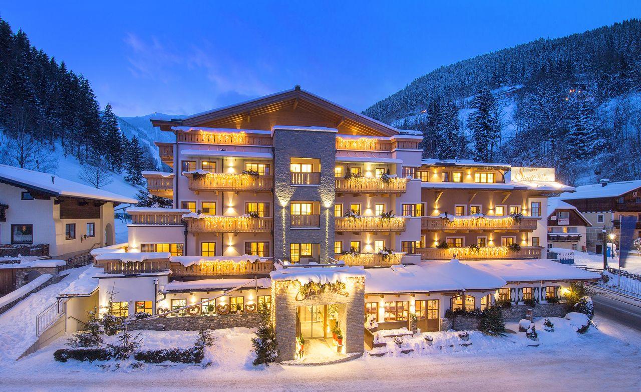 Im Winter geht die letzte Abfahrt eines schönen Skitages zurück bis unmittelbar vors Hotel (siehe Wintertipp unten)