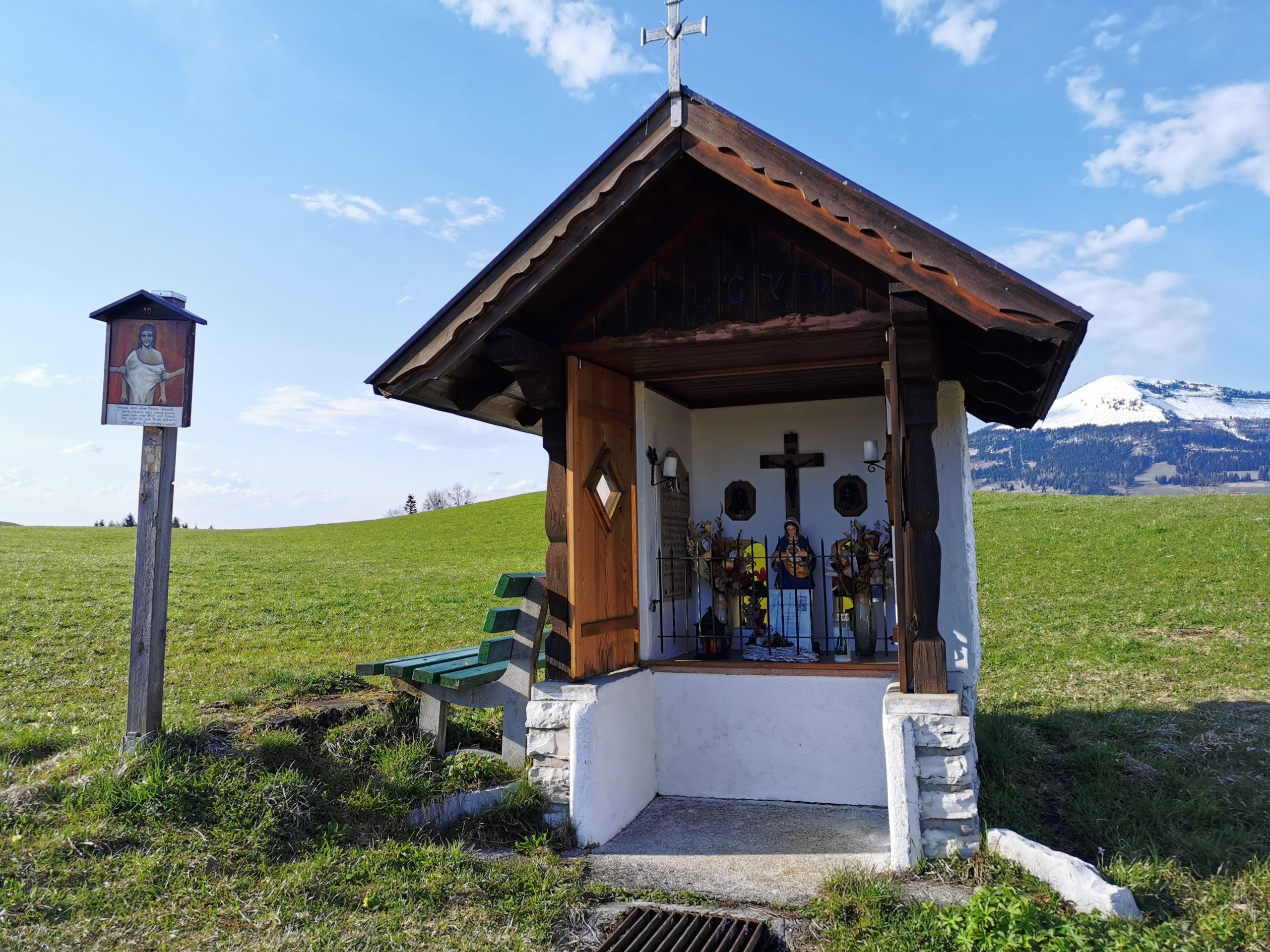 Von Kapelle zu Kapelle entlang des Taugler Mundartkreuzweges © AlmSinn Martina Egger