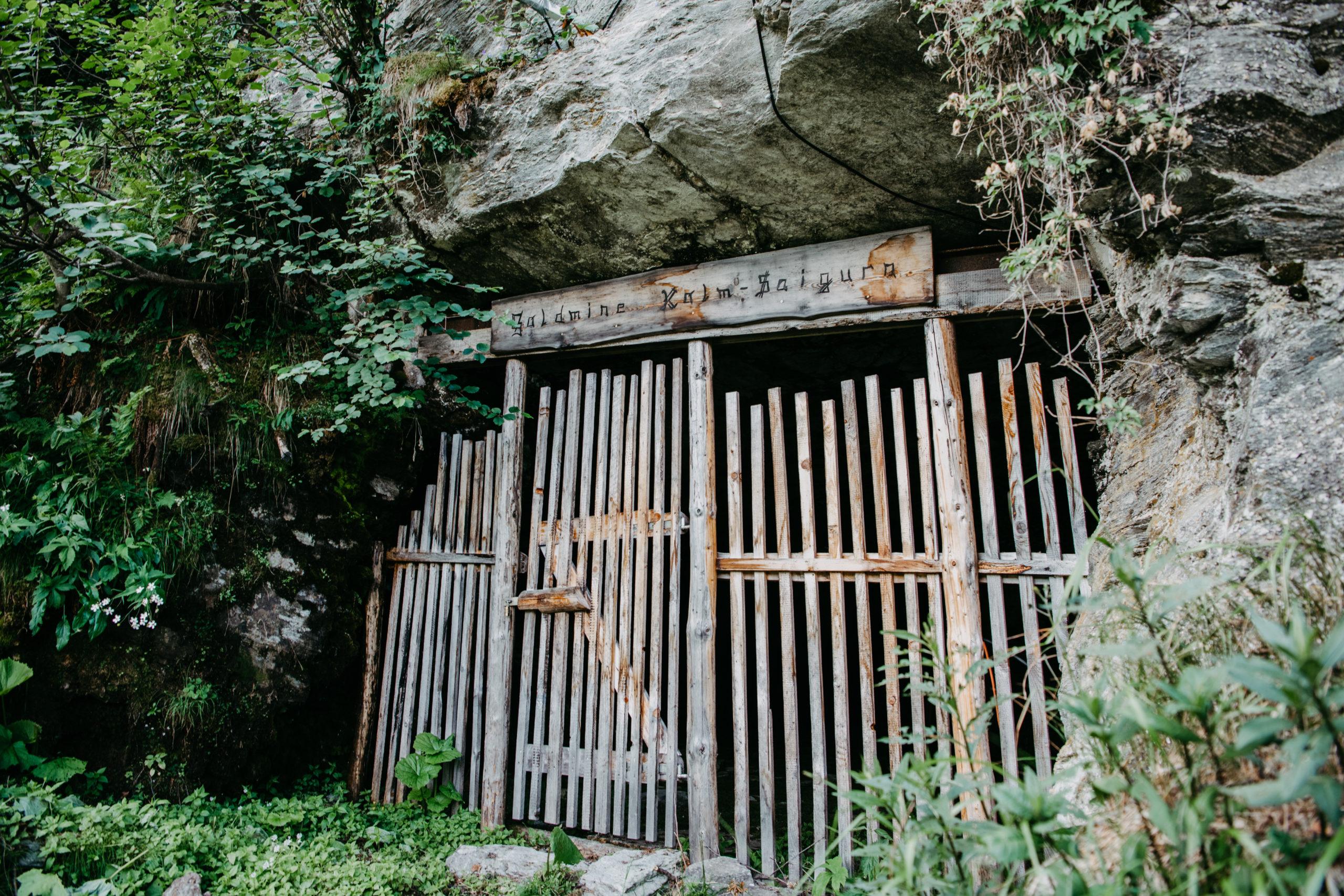Der Eingang zum Bergwerksstollen © Stefan Nocker
